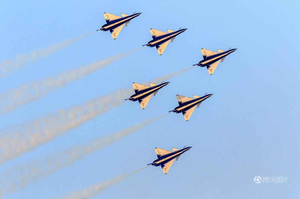 日本飞机在俄罗斯表演